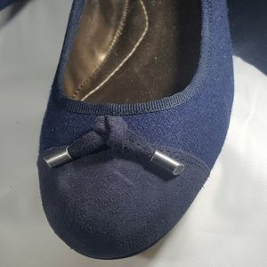 Lands' End Flat Blue Wool & Suede Shoes size 9B
